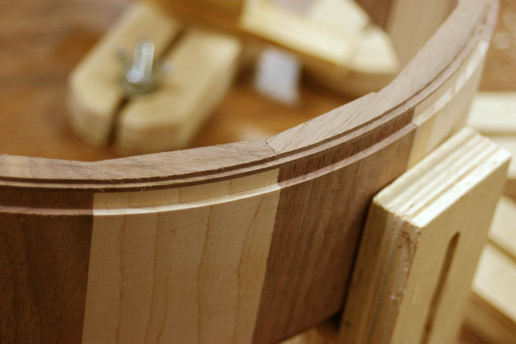 how to use a router on guitar